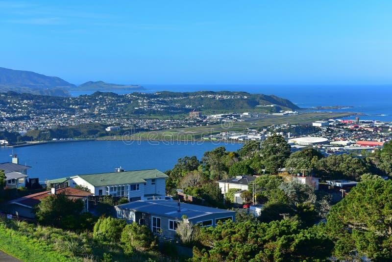 Vista aerea dell'aeroporto e della città di Wellington immagine stock