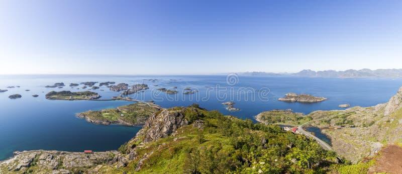 Vista aerea dell'arcipelago di Henningsvaer sulle isole di Lofoten fotografie stock