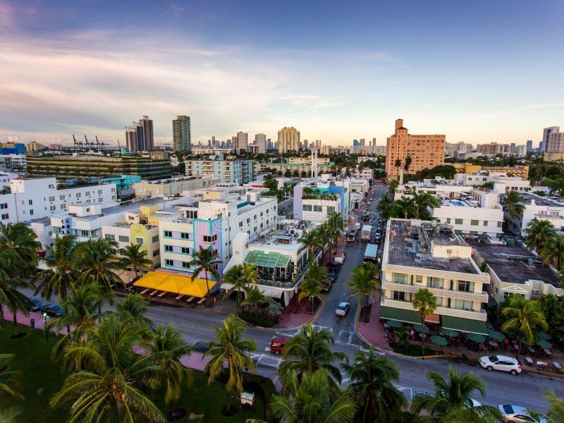 Vista aerea dell'azionamento dell'oceano e della spiaggia del sud, Miami, Florida, U.S.A. fotografia stock