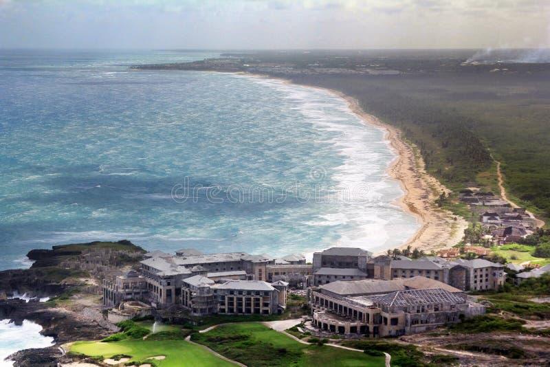 Vista aerea dell'hotel non finito sulla costa atlantica Punta fotografie stock