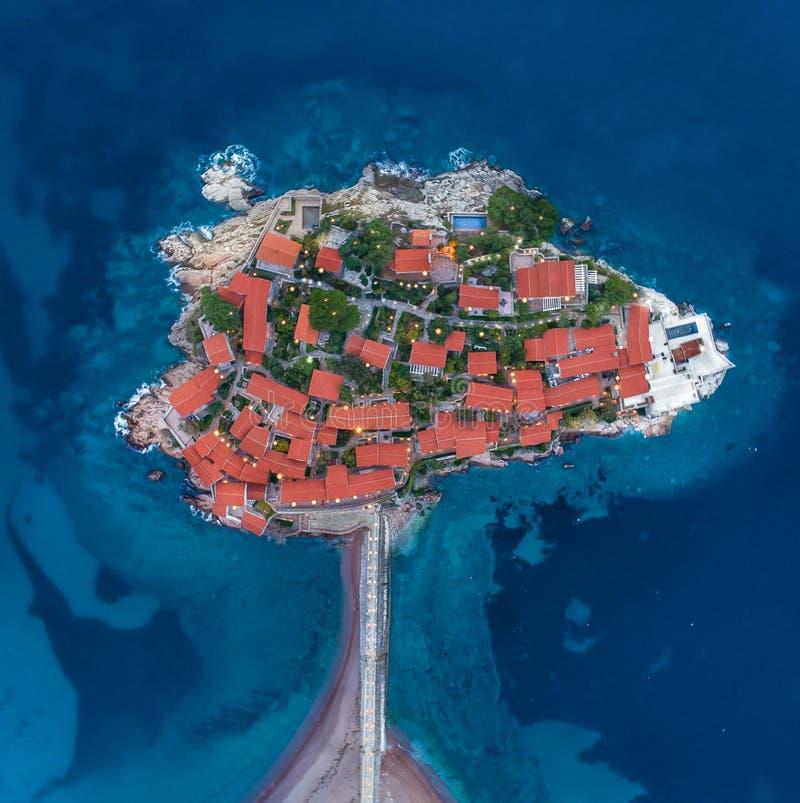 Vista aerea dell'isola Budua di Stefan di sveti fotografie stock libere da diritti