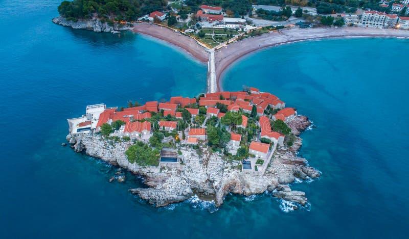 Vista aerea dell'isola Budua di Stefan di sveti immagini stock libere da diritti