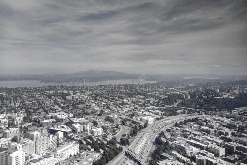 Vista aerea dell'orizzonte del centro del centro urbano di Seattle, Washington, U.S.A. fotografia stock libera da diritti