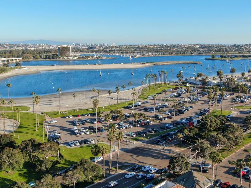 Vista aerea della baia & delle spiagge di missione a San Diego, California U.S.A. immagini stock
