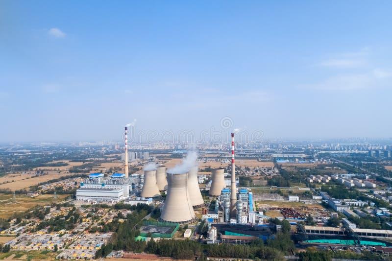 Vista aerea della centrale elettrica termica fotografia stock