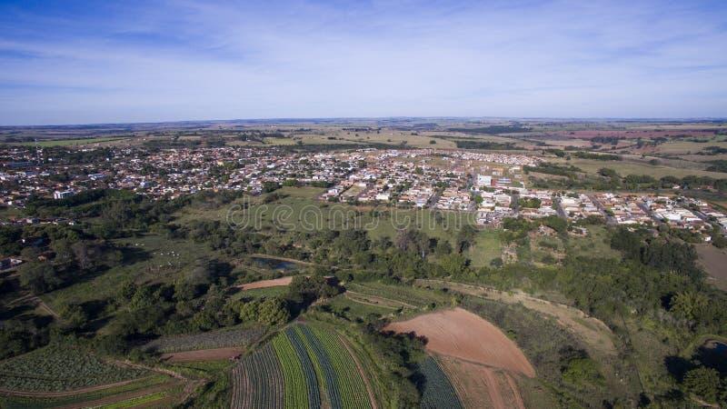 Vista aerea della città di Alvares Machado nello stato di Sao Paulo dentro immagini stock