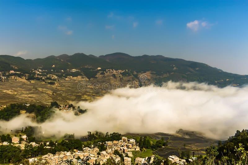 Vista aerea della contea di Yuanyang nella prefettura di Honghe nella provincia di Yunnan sudorientale, Cina fotografia stock libera da diritti
