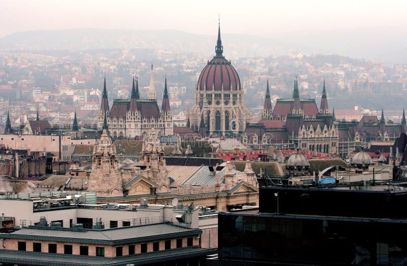 Vista aerea della costruzione del Parlamento dell'Ungheria a Budapest fotografia stock libera da diritti