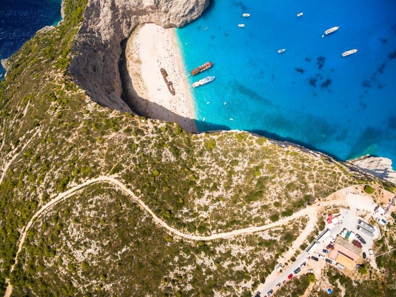 Vista aerea della vista del naufragio della spiaggia di Navagio in Zacinto Zante immagine stock libera da diritti