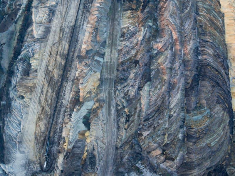 Vista aerea della miniera di carbone a cielo aperto Belchatow fotografia stock