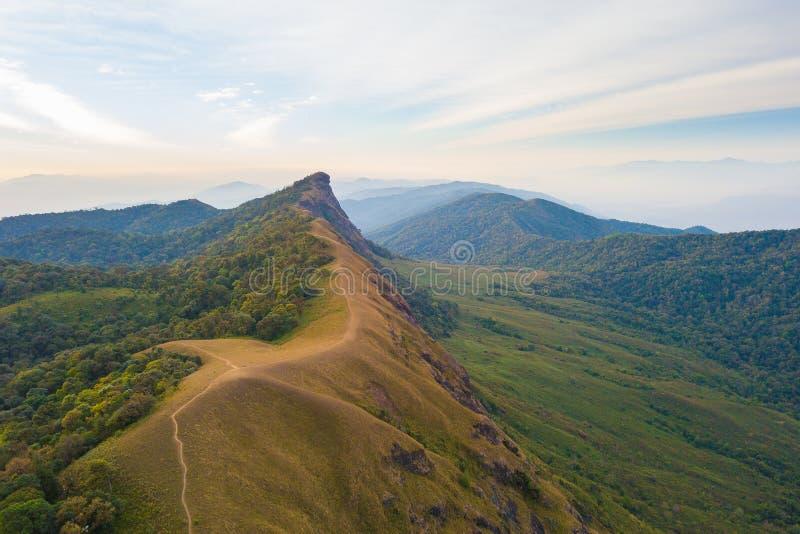 Vista aerea della montagna famosa di Doi Monjong, Chiang Mai, Tailandia fotografie stock libere da diritti