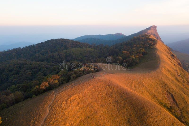Vista aerea della montagna famosa di Doi Monjong, Chiang Mai, Tailandia immagini stock