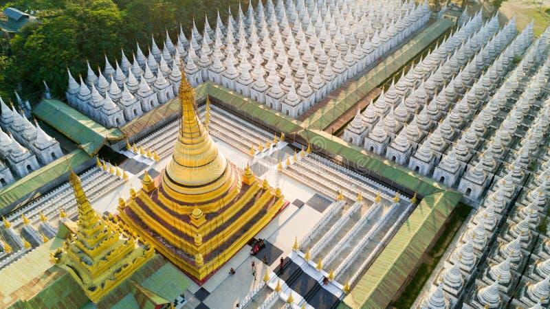 Vista aerea della pagoda di Kuthodaw nel Myanmar immagini stock