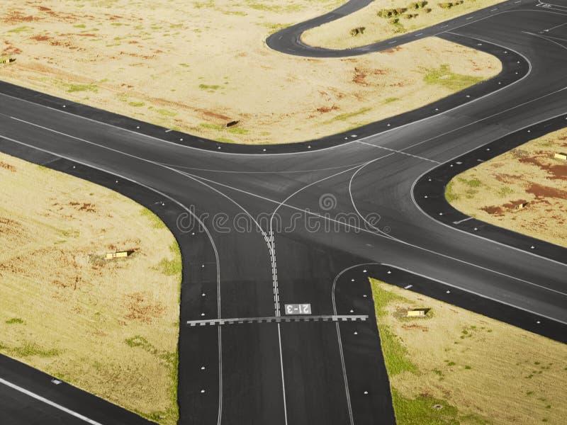 Vista aerea della pista dell'aeroporto immagini stock libere da diritti