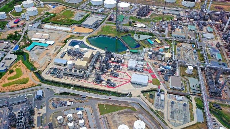 Vista aerea della raffineria di petrolio e del mare petrochimici nel concetto di organizzazione industriale in Laem Chabang, prov immagine stock