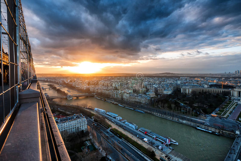 Vista aerea della Senna dalla torre Eiffel fotografie stock libere da diritti