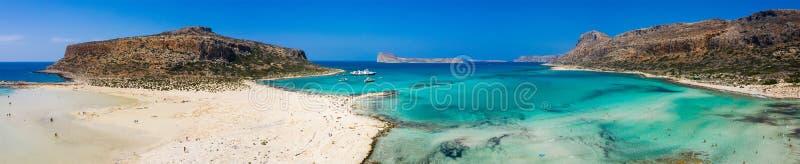 Vista aerea della spiaggia di Balos vicino all'isola di Gramvousa in Creta Acque magiche del turchese, lagune, spiaggia di Balos  immagini stock