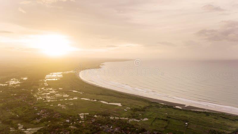 Vista aerea della spiaggia di Palangpang su tempo di tramonto fotografia stock