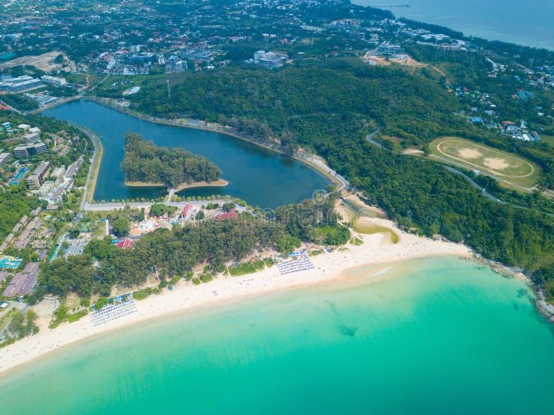 Vista aerea della spiaggia Phuket di Nai Harn immagine stock