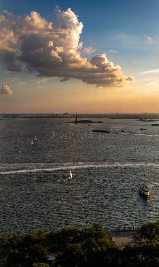 Vista aerea della statua della libertà immagini stock