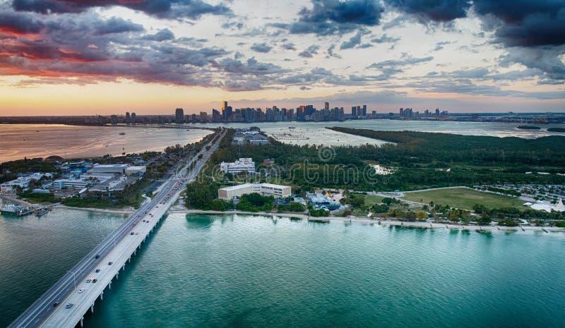 Vista aerea della strada soprelevata di Rickenbacker, Miami immagine stock