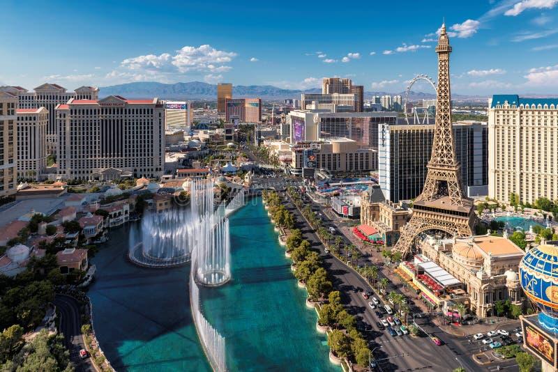 Vista aerea della striscia di Las Vegas al giorno soleggiato fotografia stock libera da diritti