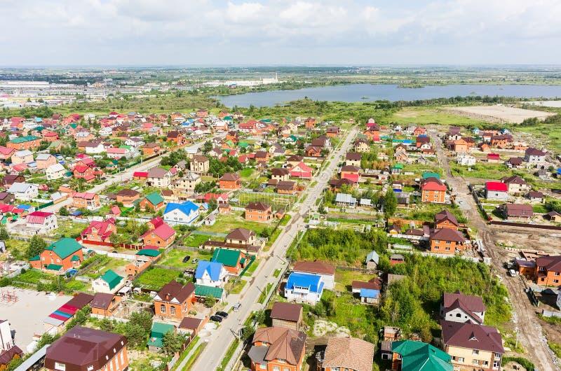 Vista aerea delle case sugli insediamenti Tjumen' fotografia stock libera da diritti