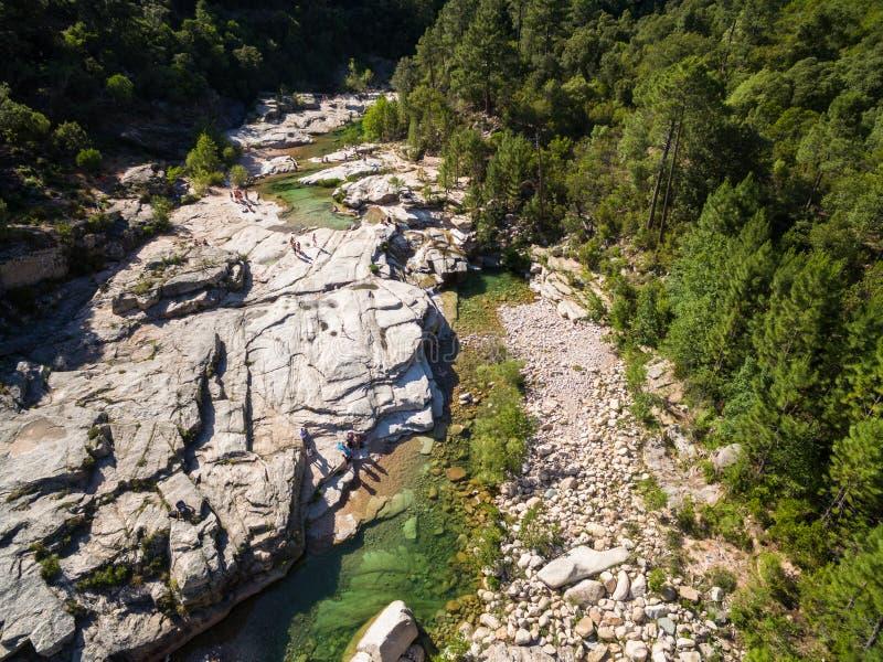 Vista aerea dello stagno naturale di Cavu vicino a Tagliu Rossu e a Sainte L fotografia stock libera da diritti