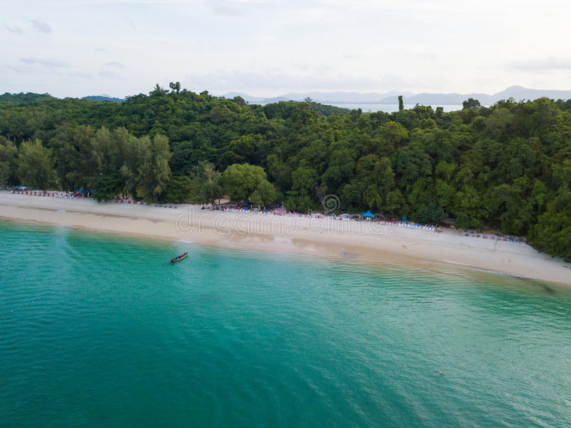 Vista aerea di bella isola tropicale all'isola di Racha fotografia stock