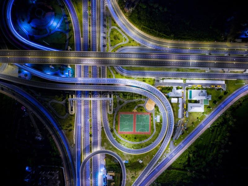 Vista aerea di bella strada di notte del paesaggio fotografia stock libera da diritti