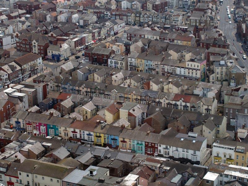Vista aerea di Blackpool che mostra le vie di piccoli hotel e pensioni tipici immagini stock