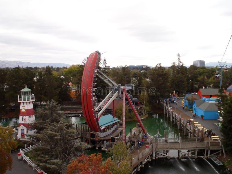 Vista aerea di grande parco a tema dell'America che caratterizza lo shi del pirata immagini stock