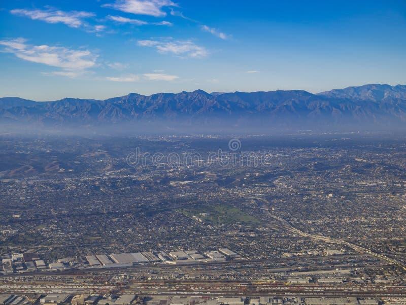 Vista aerea di Los Angeles orientale, Bandini, vista dal sedile di finestra fotografia stock libera da diritti