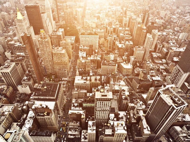 Vista aerea di Manhattan al tramonto fotografia stock libera da diritti