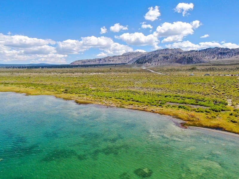 Vista aerea di mono lago fotografia stock