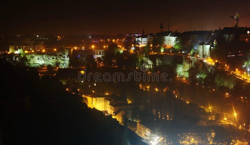 Vista aerea di notte del Lussemburgo immagini stock