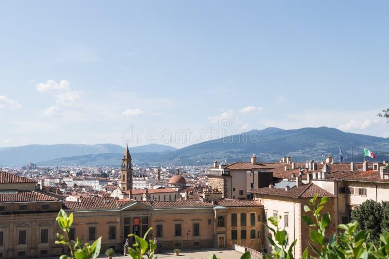 Vista aerea di paesaggio urbano di Florence Italy da Palazzo Pitti un giorno soleggiato di estate immagini stock