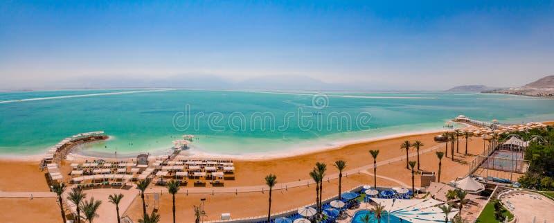 Vista aerea di panorama dell'area della spiaggia del mar Morto della ricerca di Ein Bokek fotografie stock