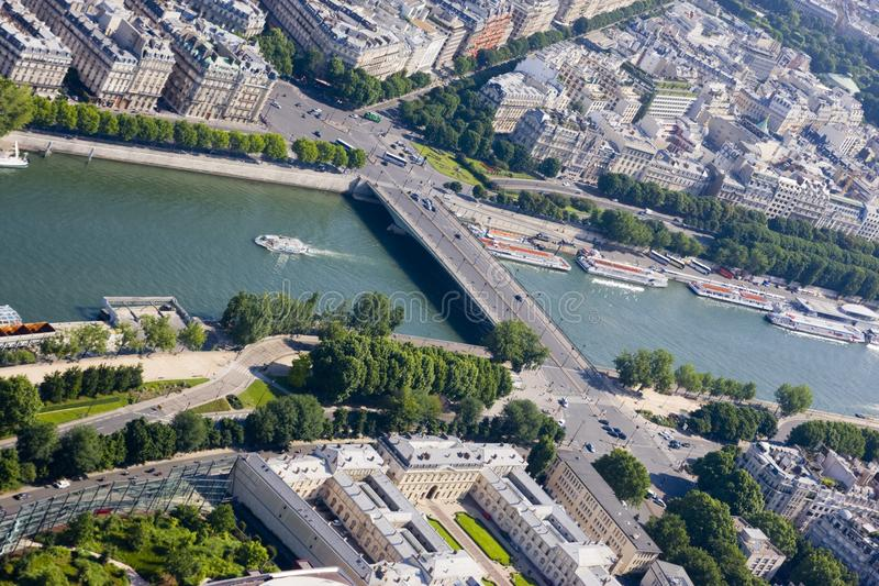 Vista aerea di Parigi dalla Torre Eiffel fotografie stock libere da diritti