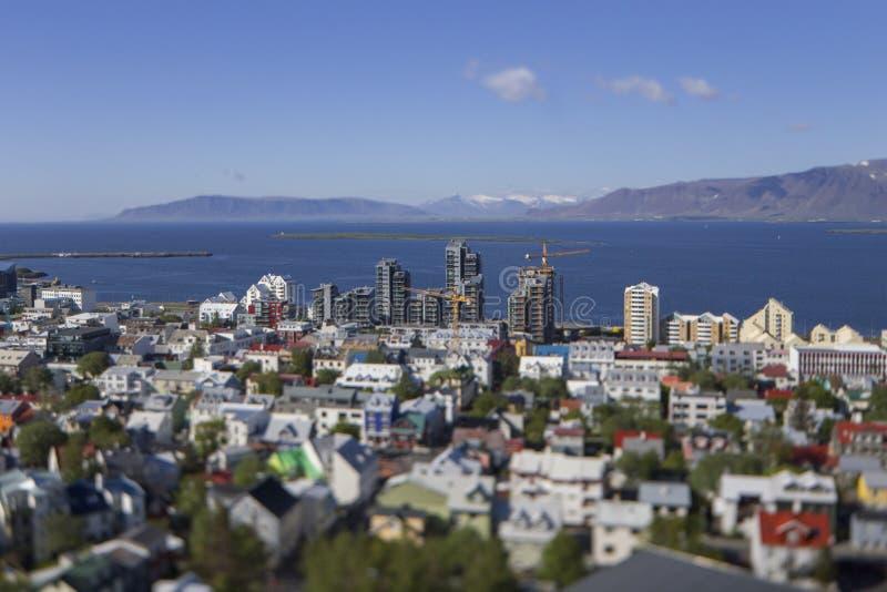 Vista aerea di Reykjavik, costruzione degli edifici alti nel giugno 2015 fotografia stock libera da diritti