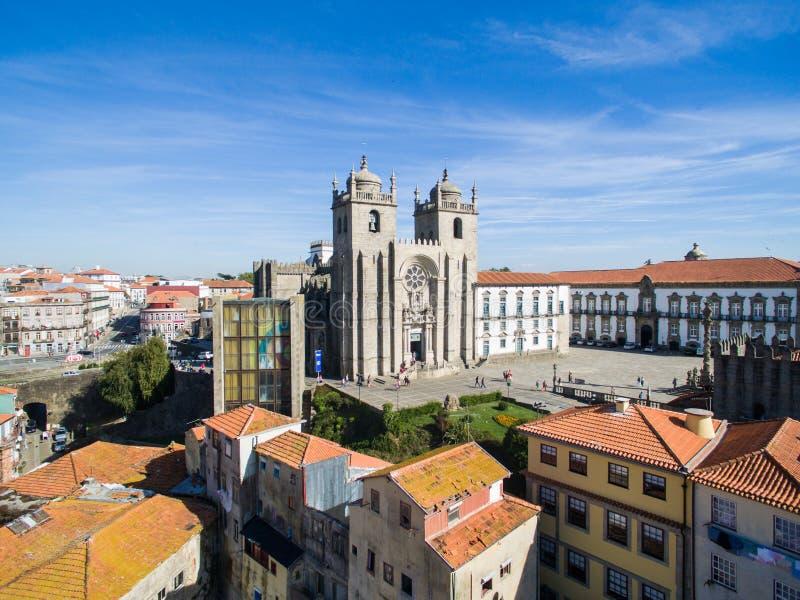 Vista aerea di Ribeira - la vecchia città di Oporto, Portogallo immagini stock libere da diritti