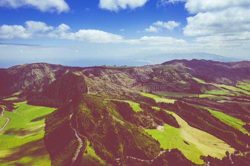 Vista aerea di Sete Cidades nel lago Azul sul sao Miguel Azores, Portogallo dell'isola Foto fatta da sopra nel fuco fotografie stock libere da diritti