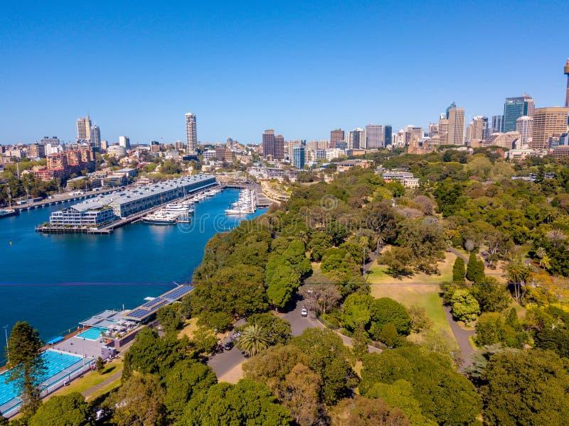 Vista aerea di Sydney Park e dell'orizzonte immagini stock libere da diritti