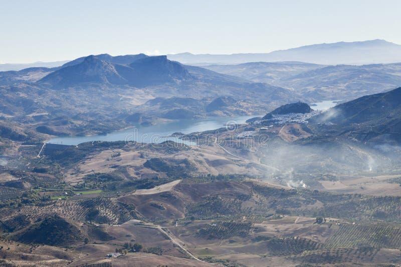 Vista aerea di un lago vicino a Ronda. immagini stock libere da diritti