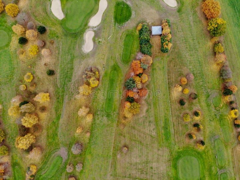 Vista aerea di un terreno da golf fotografie stock