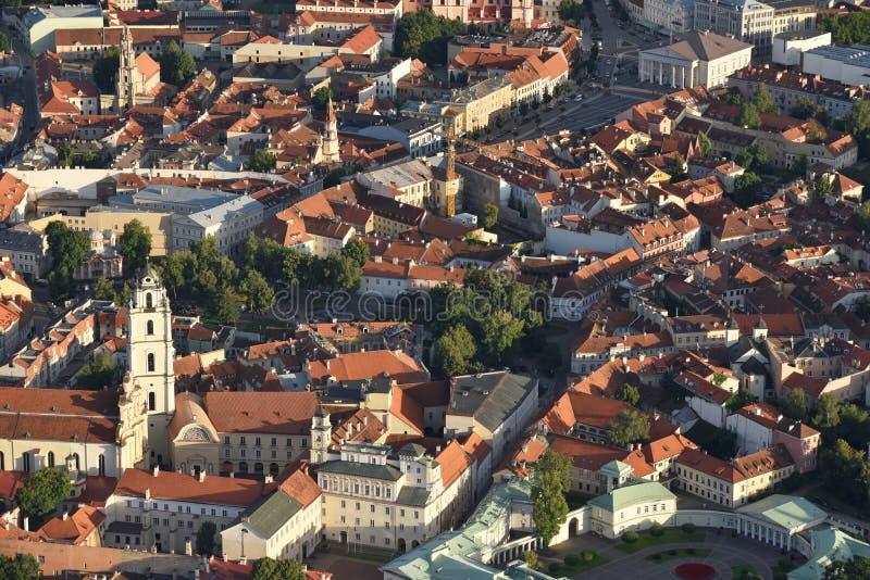 Vista aerea di vecchia città di Vilnius fotografie stock libere da diritti