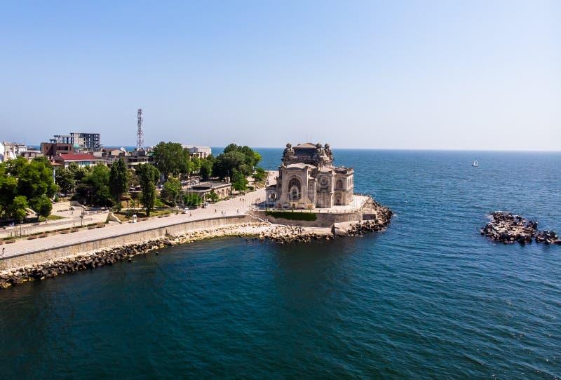 Vista aerea di vecchia costruzione del casinò in Costanza dal Mar Nero immagine stock libera da diritti
