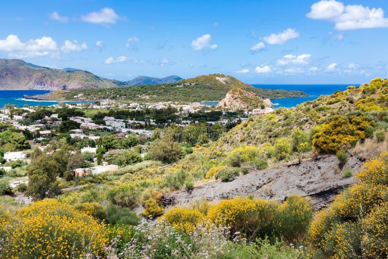 Vista aerea di Vulcano, isole eolie vicino alla Sicilia, Italia immagini stock