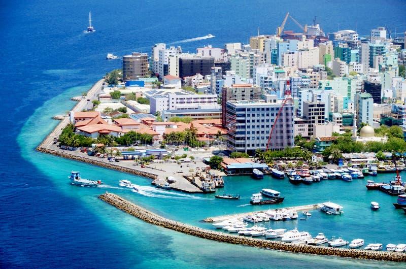 Vista aerea maschio della città immagini stock libere da diritti