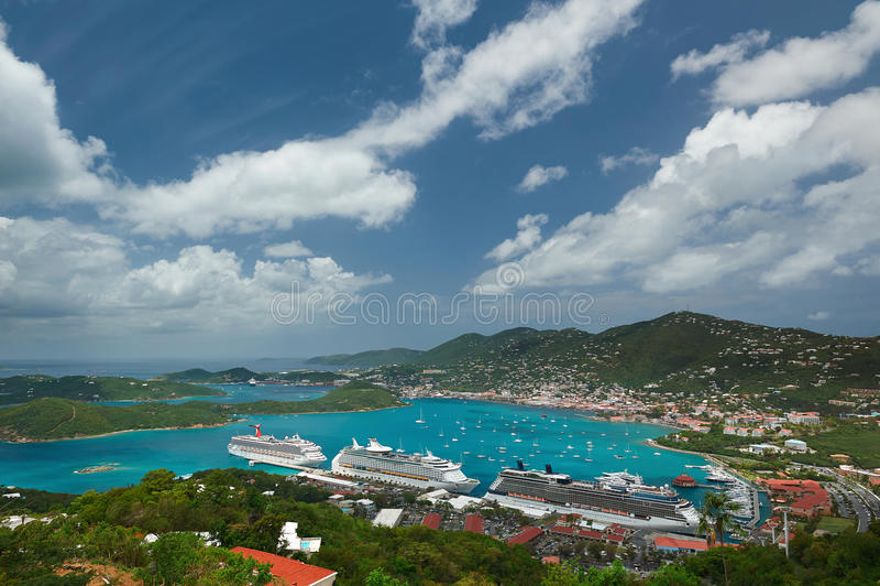 Vista aerea panoramica sull'isola dei Caraibi immagini stock libere da diritti